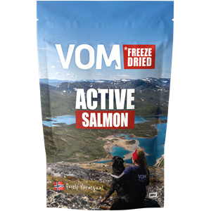 Freeze Dried ACTIVE Salmon 900 gram pose